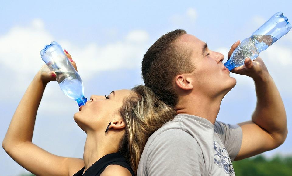 Quelle quantit d eau boire par jour choses savoir - Quantite de viande par personne par jour ...