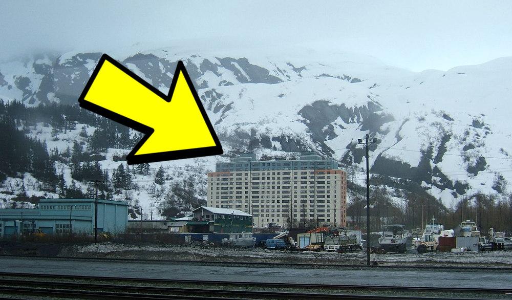meme immeuble Whittier Alaska